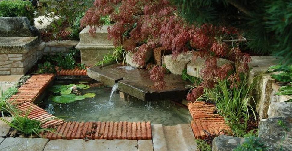 Comment créer un bassin de jardin : découvrez cela pas à pas